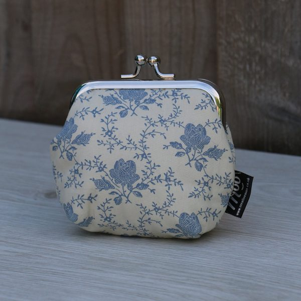 Coin Purse Square Frame – Cream with Vintage Blue Flowers
